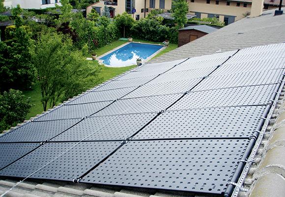 Chauffage solaire piscine vous connaissez for Piscine libertine